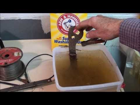 MACHINE SHOP TIPS #133 Rust Removal by Electrolysis on the Logan Lathe tubalcain