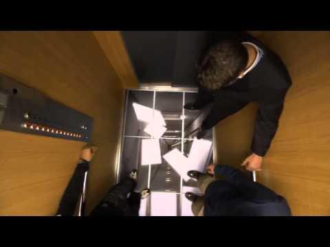 Розыгрыш в лифте с IPS мониторами LG