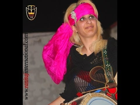 Rani Taj Plays Dhol For Heera Lal Qalandar Mela, 2013 video