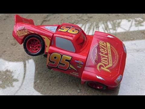 Disney Cars 3 Toys Lightning McQueen Tayo the Little Bus toy play