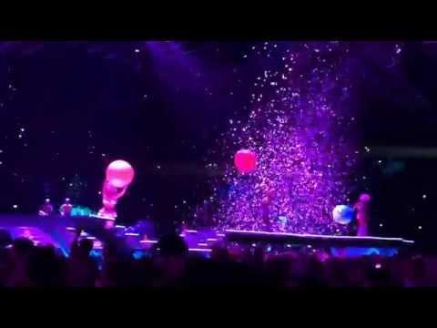 Lady GaGa's artRAVE: the ARTPOP ball - Herning, Denmark - Opening + Artpop