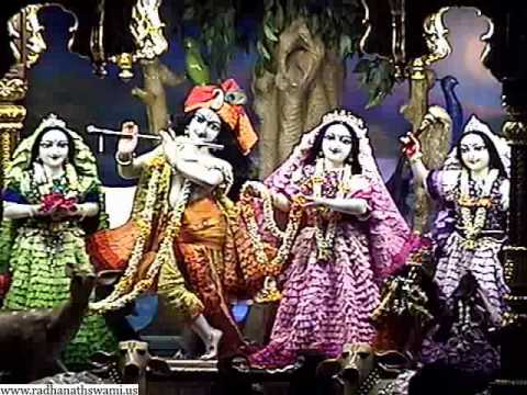Mangala Arati Of Sri Sri Radha Gopinath, Iskcon Temple,chowpatty,mumbai;20th Mar. 2014 video