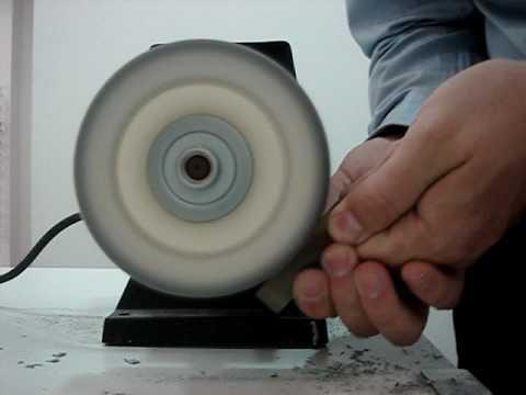 disque polir polissage d 39 une piece en corne de buffle video. Black Bedroom Furniture Sets. Home Design Ideas