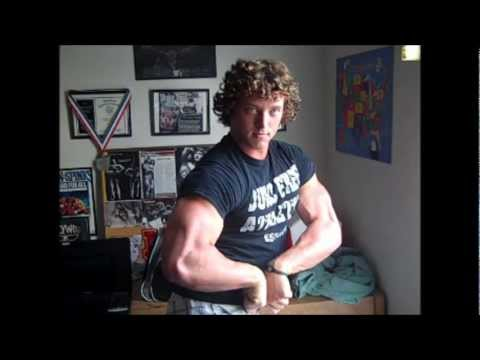 Aesthetic Bodybuilder Flexing arms
