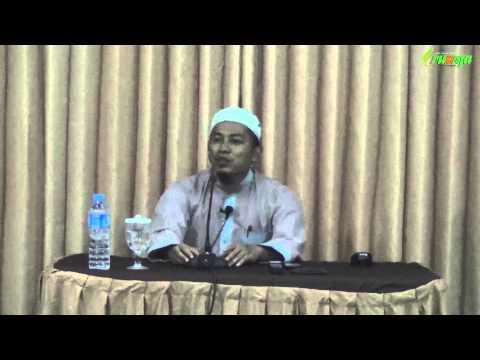 Ust. Ayman Abdillah - (Pertanyaan) Hukum Membaca Alquran Dengan Langgam Jawa
