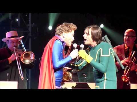 ZIGABID FOOTAGE: Conan O'Brien & Jim Carrey Sing Superman (It's Not Easy) *KICK-ASS VERSION HQ*
