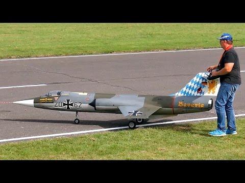 F-104 G STARFIGHTER GIGANTIC RC TURBINE JET MODEL MUSIC FLIGHT / Jetpower Messe 2015