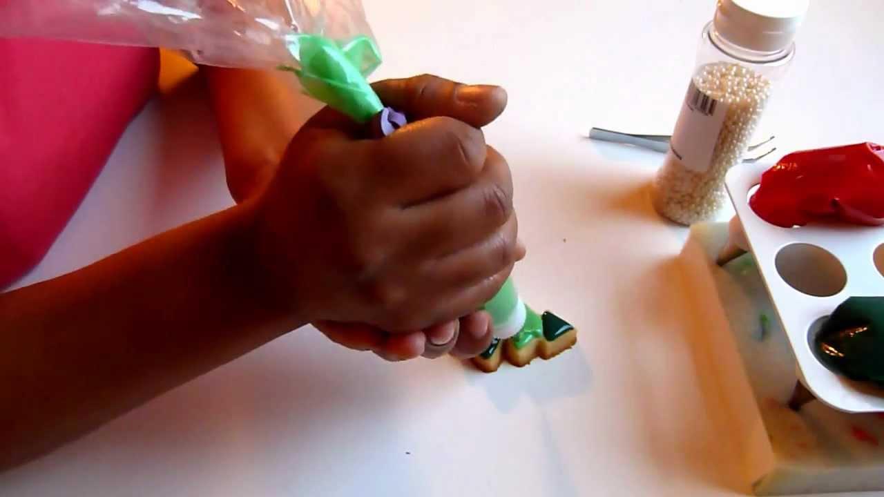 Biscuits de noel l 39 am ricaine forme sapin youtube - Comment decorer un sapin de noel ...