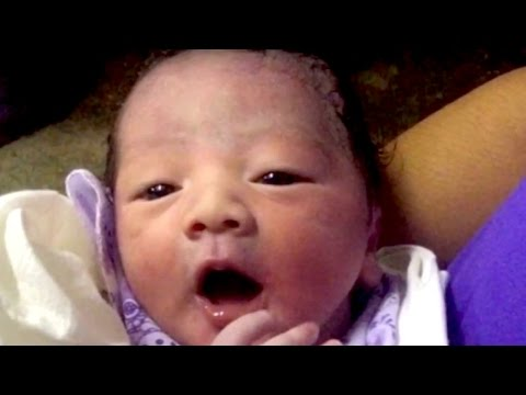 Mother GIVES BIRTH ON A PLANE? | What's Trending Now