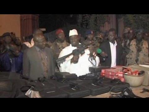 اعتقال عشرات المدنيين والعسكريين إثر محاولة انقلاب فاشلة في غامبيا