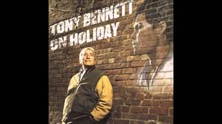 Watch Tony Bennett Laughing At Life video