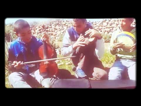 أصغر فرقة للاغنية الشعبية المغربية تغني لعبد العزيز الستاتي فوتوني غير نتوما 2016 thumbnail