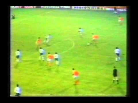1977 (February 9) England 0-Holland 2 (Friendly).avi