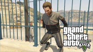 "GTA V - ""Uncalculated Risk"" Dom Dies - Strangers & Freaks | PS4 Gameplay"