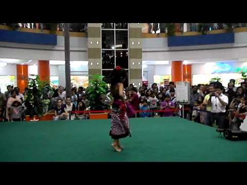 Dance Pe Chance (rab Ne Bana Di Jodi) - Mazyad Mall Rising Stars 17th May 2012 video