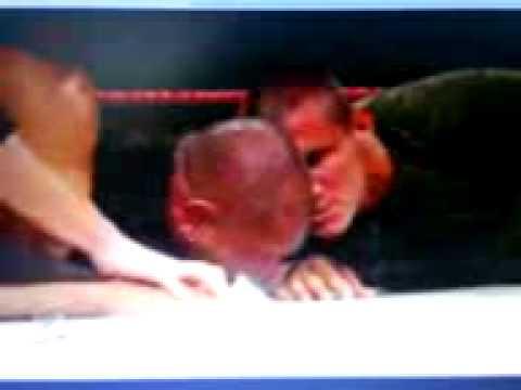 WWE - RAW - Randy Orton le rompe brazo a Batista 7 de junio del 2009