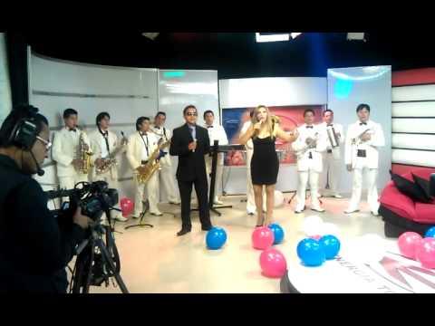 JUANITA BURBANO Y LA BANDA 24 DE MAYO