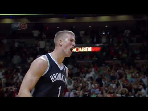 Mason Plumlee blocks LeBron James