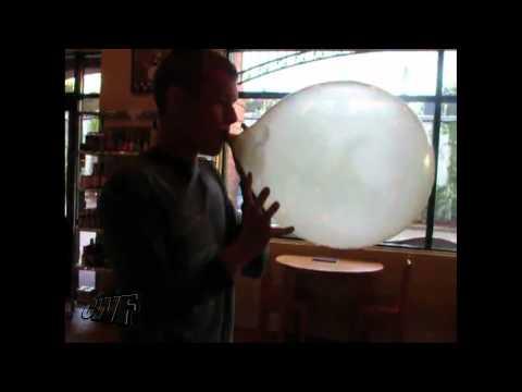 Sustos - Inflando un globo