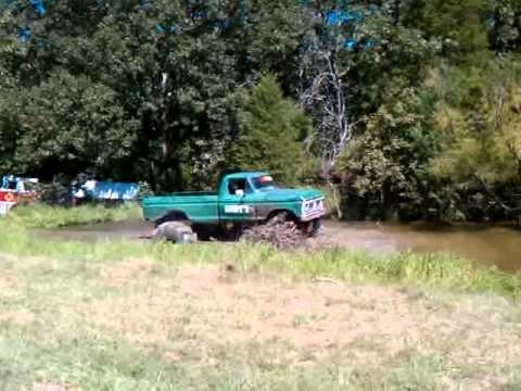 Bourbon MO Four Wheeling Mudding Offroad Andys Garage1