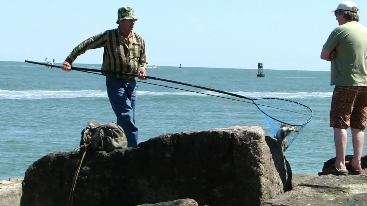 Port aransas jetty sheepshead catch youtube for Fishing report port aransas