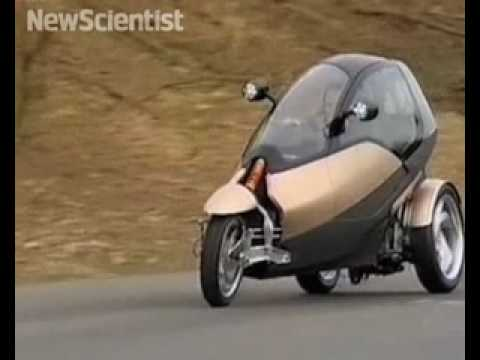 CLEVER three wheeler takes corners at full tilt