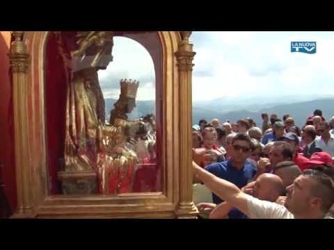 Processione verso la Basilica - Festa della Madonna del Sacro Monte di Viggiano