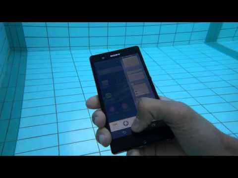 SONY XPERIA Z vs WATER