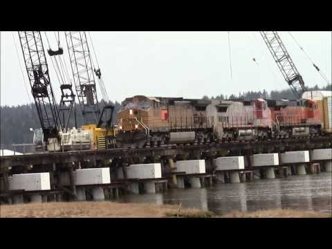 3 Schemes!!!! BNSF 4585 North (Mixed) W/ Warbonnet @ Colebrook BC Canada 08MAR14 C44-9W 4585 Leading