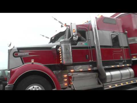 Kenworth Truck`s Mit Mobilhometrailer Xxxl 'cirque Maximum'  Jl Film 2012 video