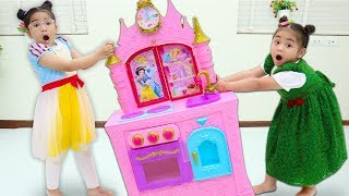Suri & Annie Pretend Play with Cooking Kitchen Toys for Kids