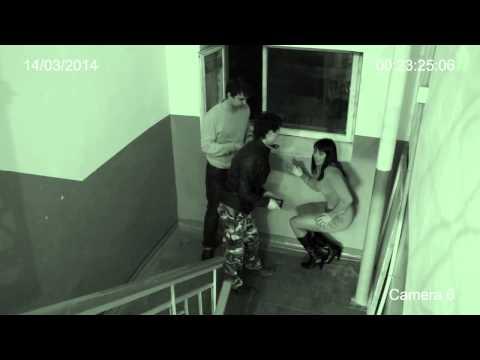 pod-smotreli-skritoy-kameroy