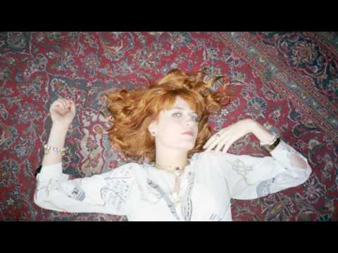 Florence + The Machine - Cosmic Love (Acoustic Version)