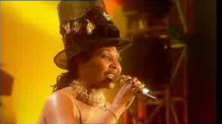 Yvonne Chaka Chaka - Umqobothi
