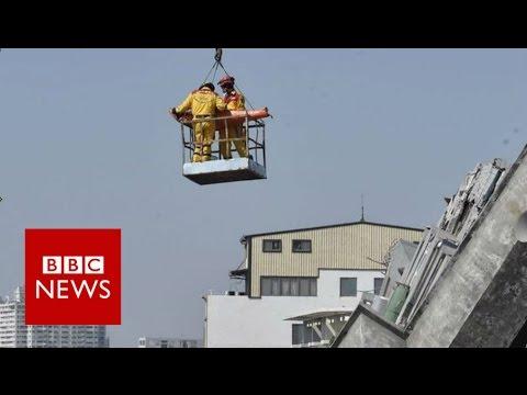 Taiwan quake: The moment a survivor was found - BBC News
