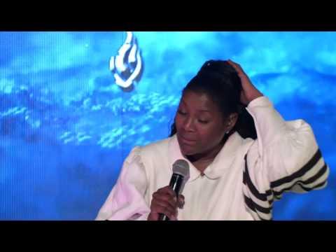 Juanita Bynum 1era Noche - Dionny Baez video