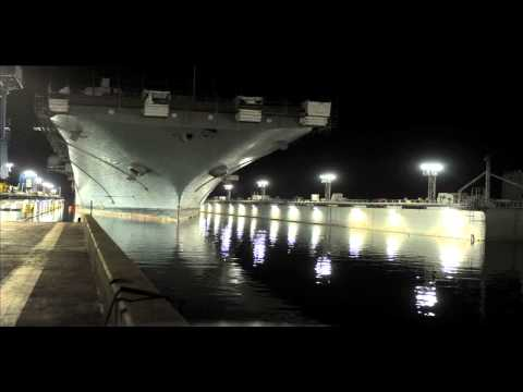Dry-docking USS Essex (LHD 2) in March of 2013