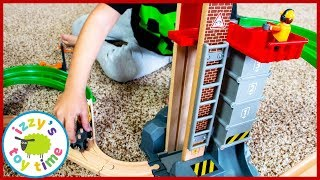 BRIO LIFT AND LOAD WAREHOUSE! Fun Toy Trains for Kids