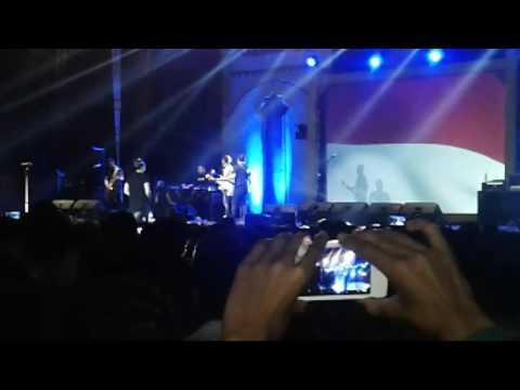 download lagu Bagindas Bila Benar Sayang  Live In Conc gratis