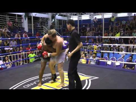 Emil from Sweden (red corner) has his first fight  @Bangla Boxing Stadium- 24.4.2016