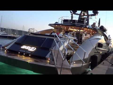 Aston Martin DB9 Yacht and Gulf Racing Yacht in Saint-Tropez + Combo s!