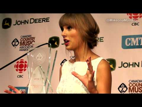 Mike on a Monday 82 - 2012 CCMA's Backstage with the Winners including Taylor Swift