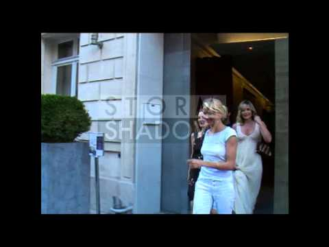 Drew Barrymore And Cameron Diaz Leave Paris Hotel