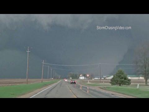 4/9/2015 Rochelle, IL Destructive Wedge Tornado B-Roll