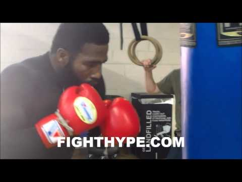 Adrien Broner Works The Heavy Bag Ahead Of Emmanuel Taylor Clash: he Ain't Gonna Touch Me video