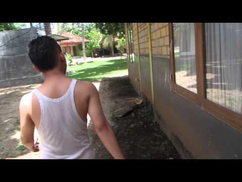 Ujung Genteng (intip teman mandi di Pondok Hexa) Part 1