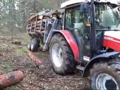 Holztransport bei schwierigen Bedingungen mit Seilwinde