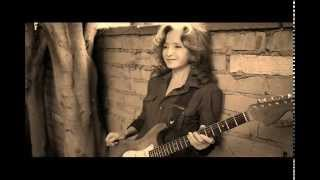Watch Bonnie Raitt Wild For You Baby video