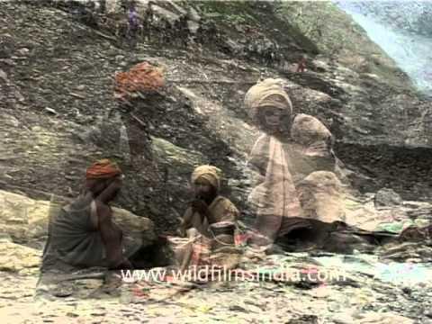 Sadhus smoke chillum on the Amarnath trek!