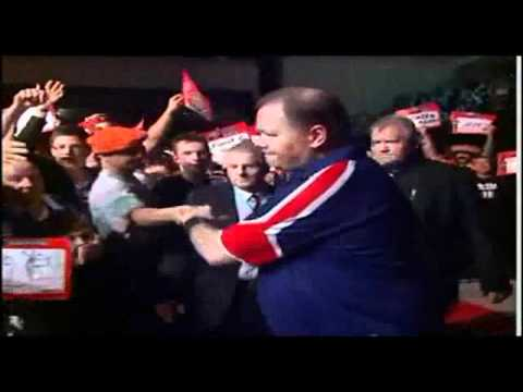 Raymond van Barneveld - Entrance Premier League 2010